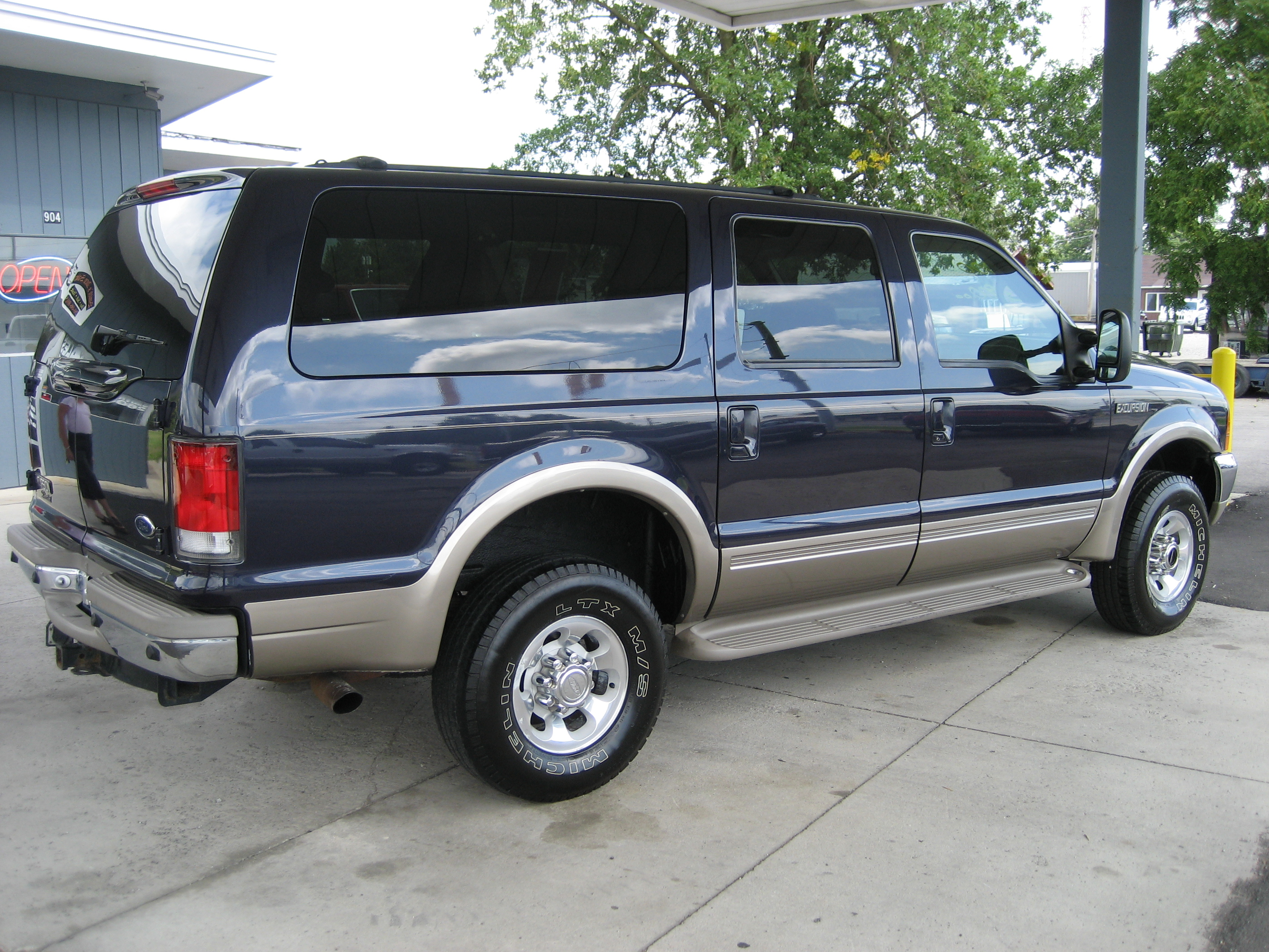 Ford excursion photo - 4