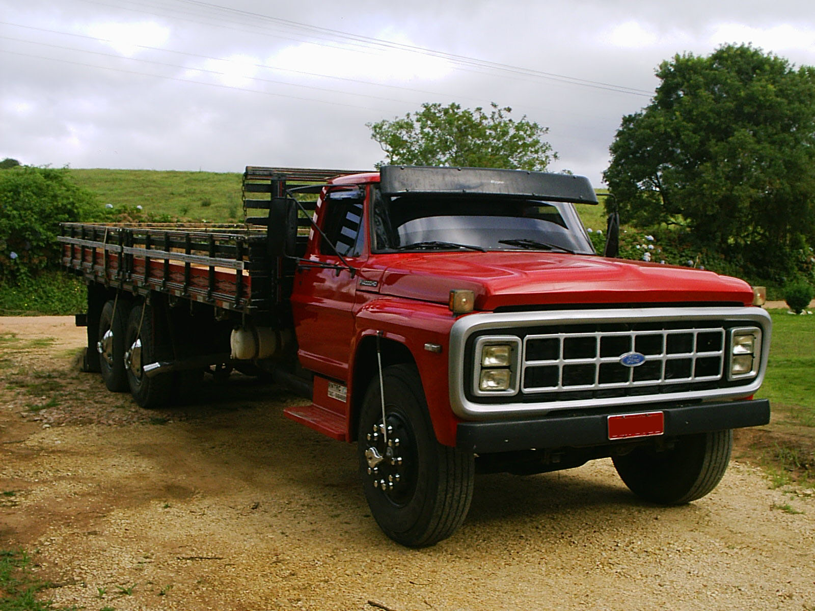 Ford f-14000 photo - 4