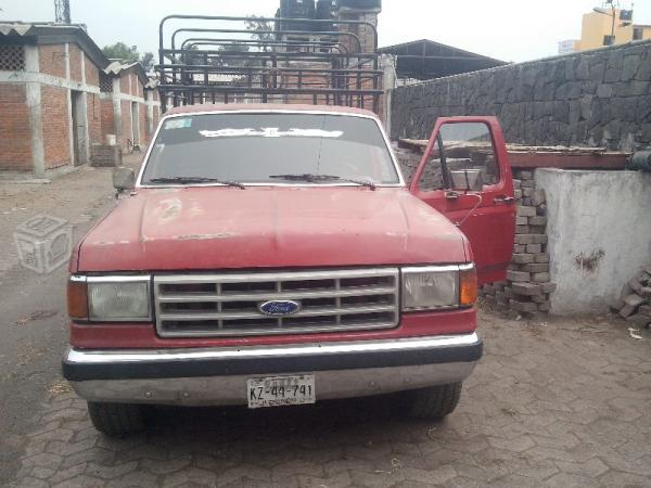 Ford f-200 photo - 2