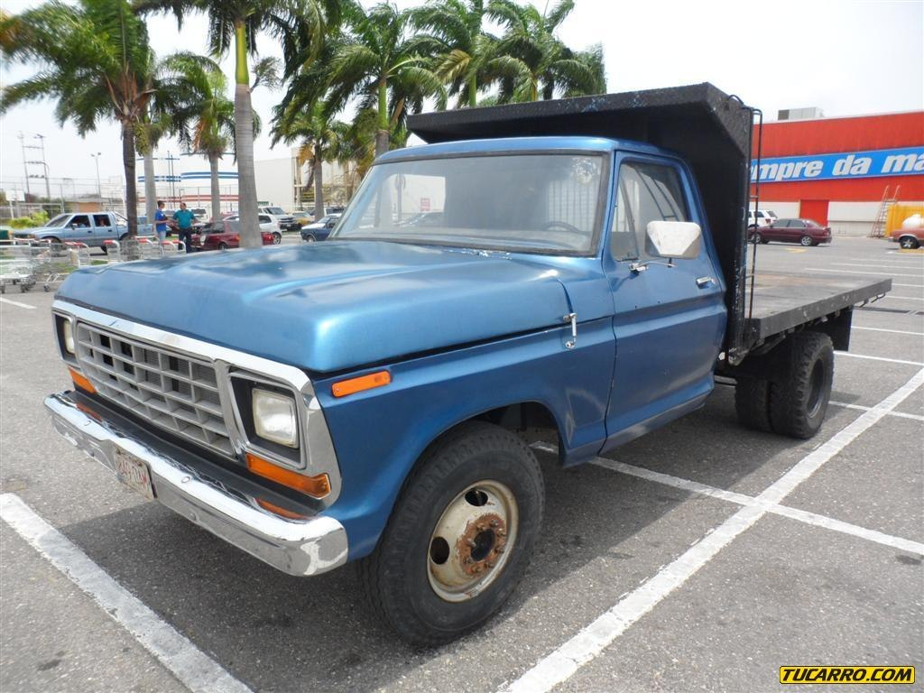 Ford f-300 photo - 2