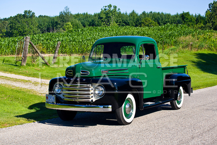 Ford f-47 photo - 1