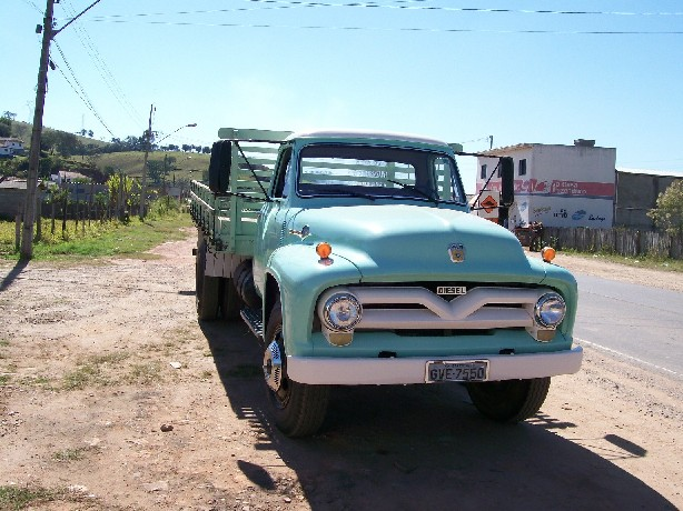 Ford f-600 photo - 1