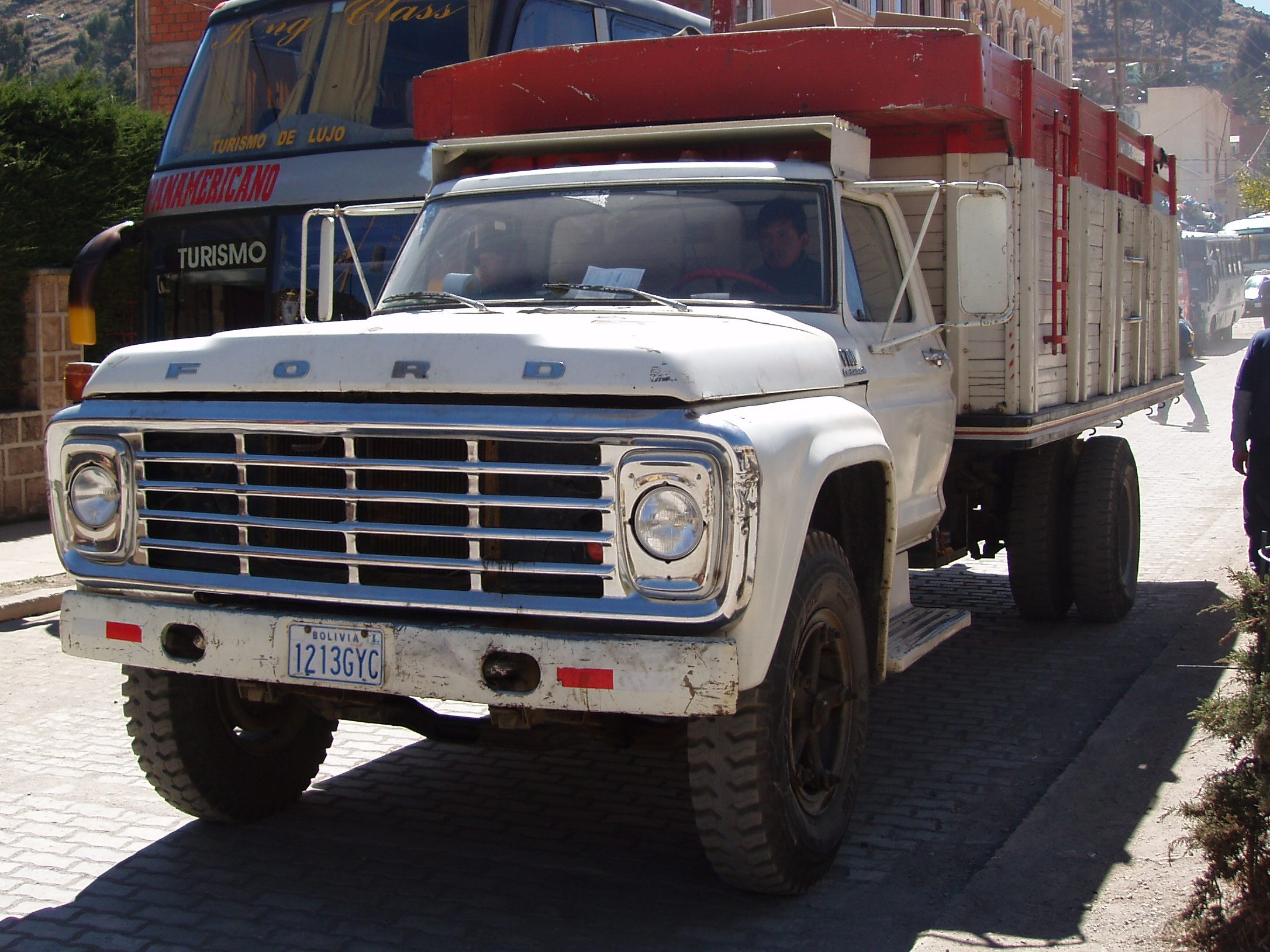 Ford f-700 photo - 1