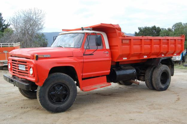 Ford f-700 photo - 4