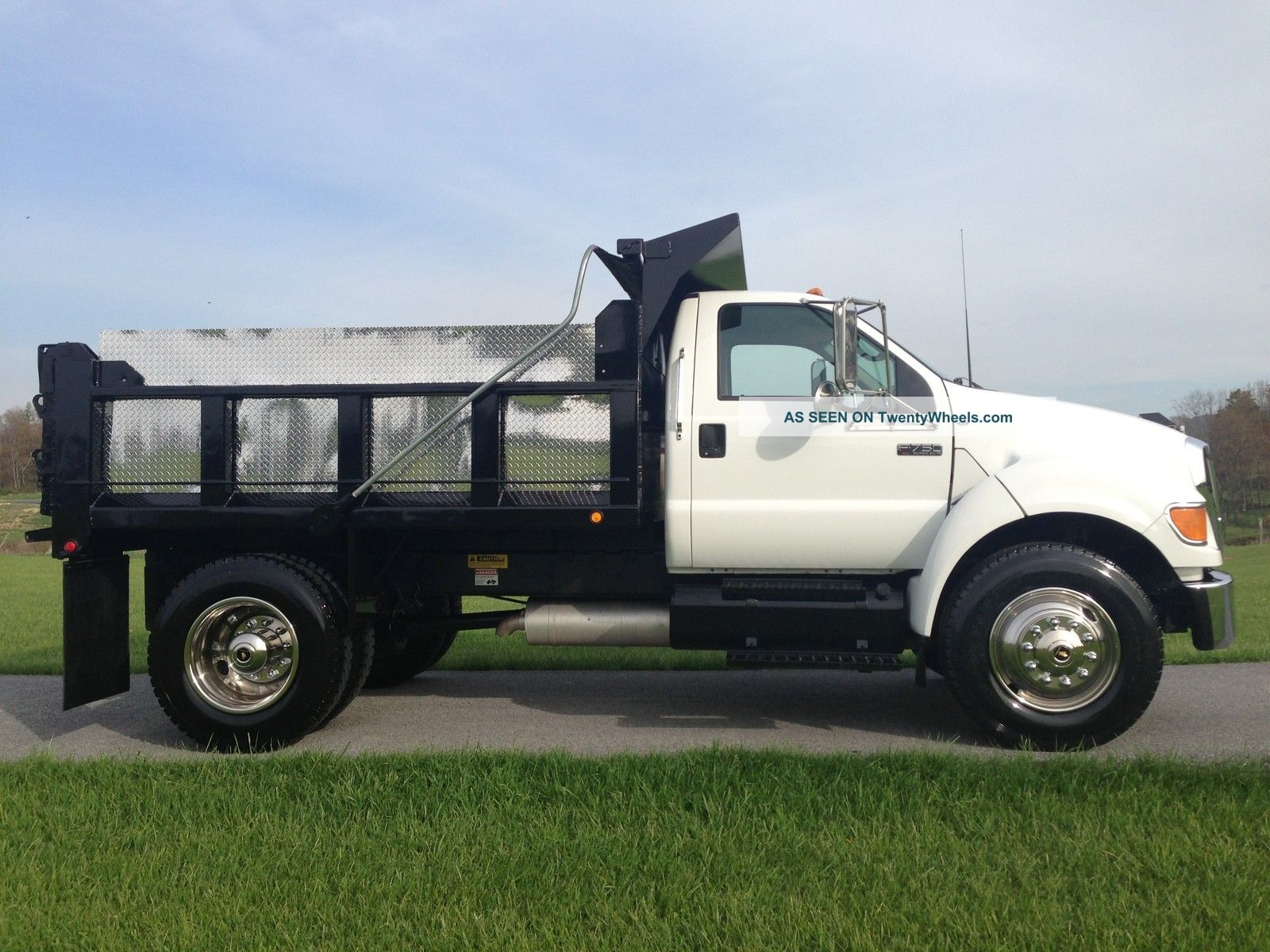 Ford f-750 photo - 2