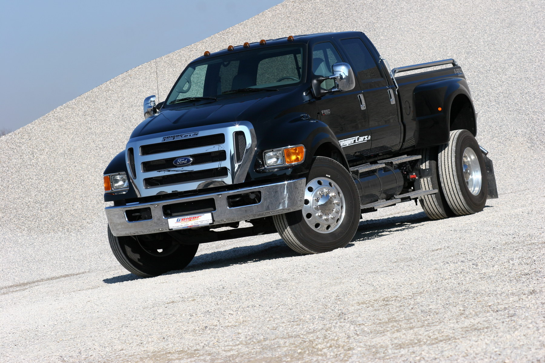 Ford f-750 photo - 4