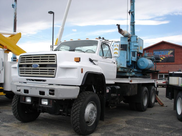 Ford f-900 photo - 1