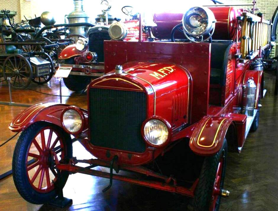 Ford firetruck photo - 3
