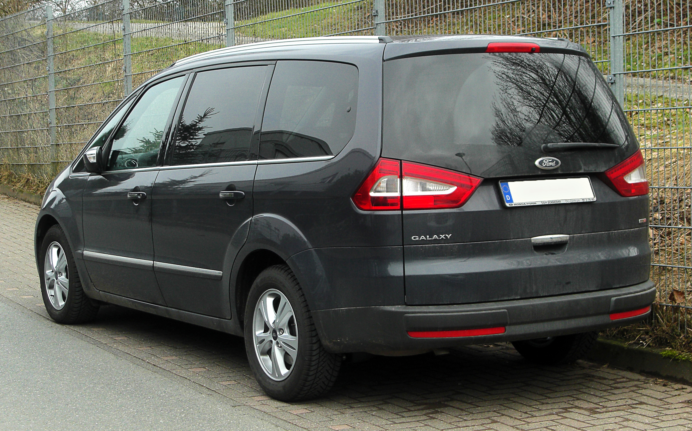 Ford galaxy photo - 3