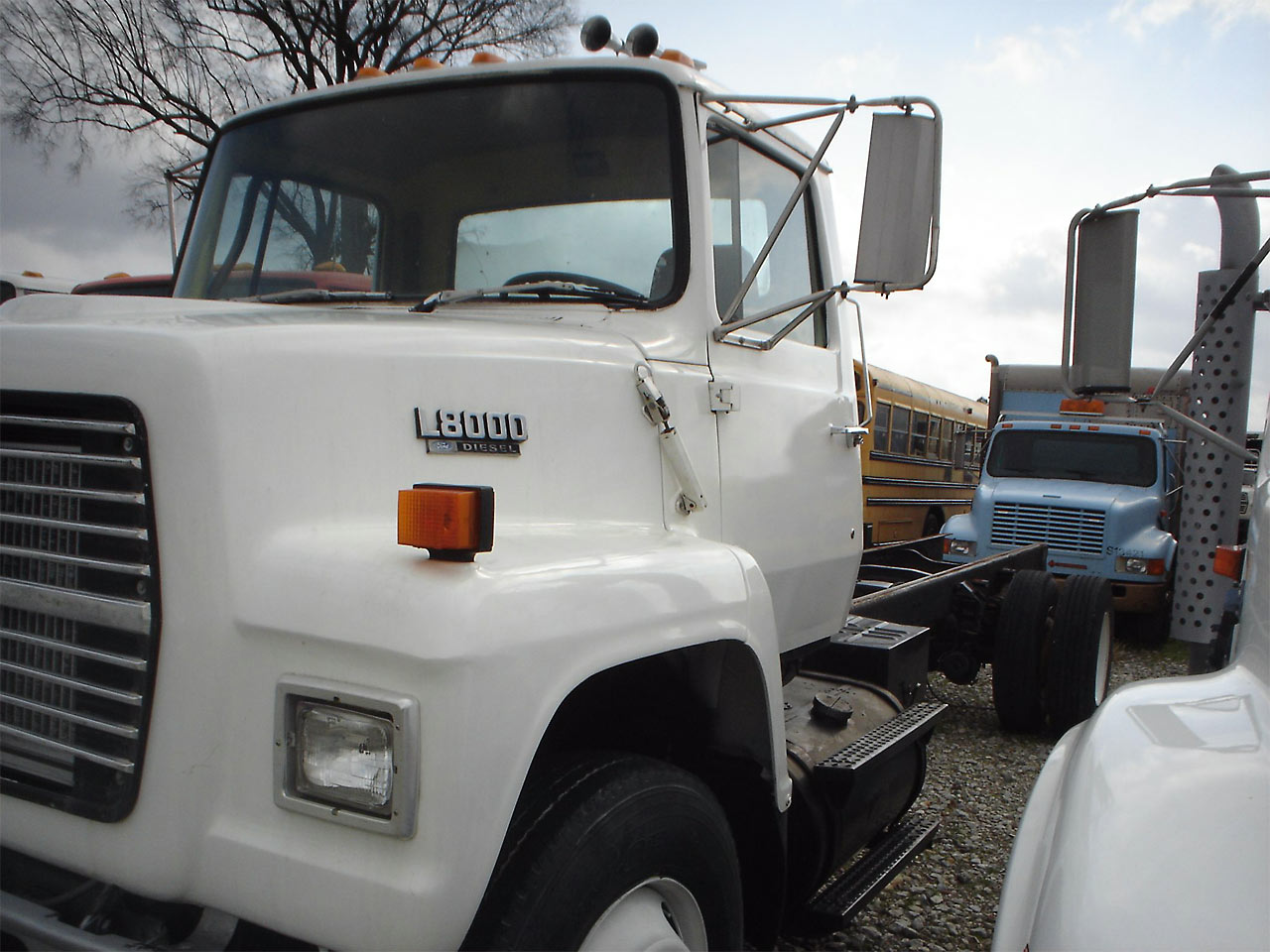 Ford l-7000 photo - 3
