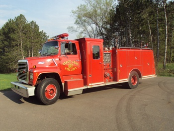 Ford l-8000 photo - 3
