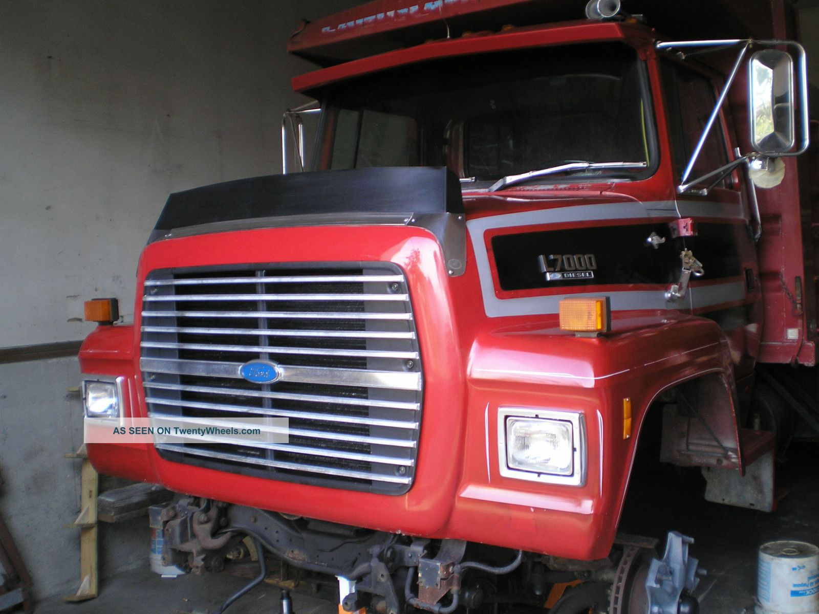 Ford l7000 photo - 2