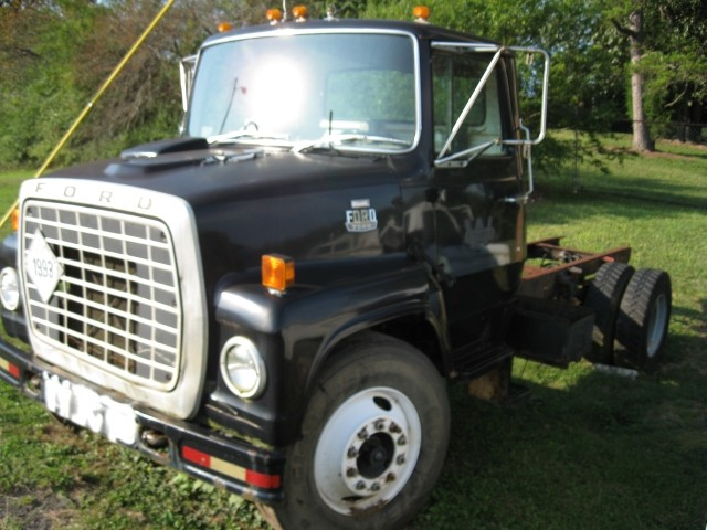 Ford l7000 photo - 4