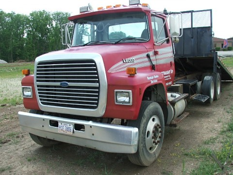 Ford l8000 photo - 1
