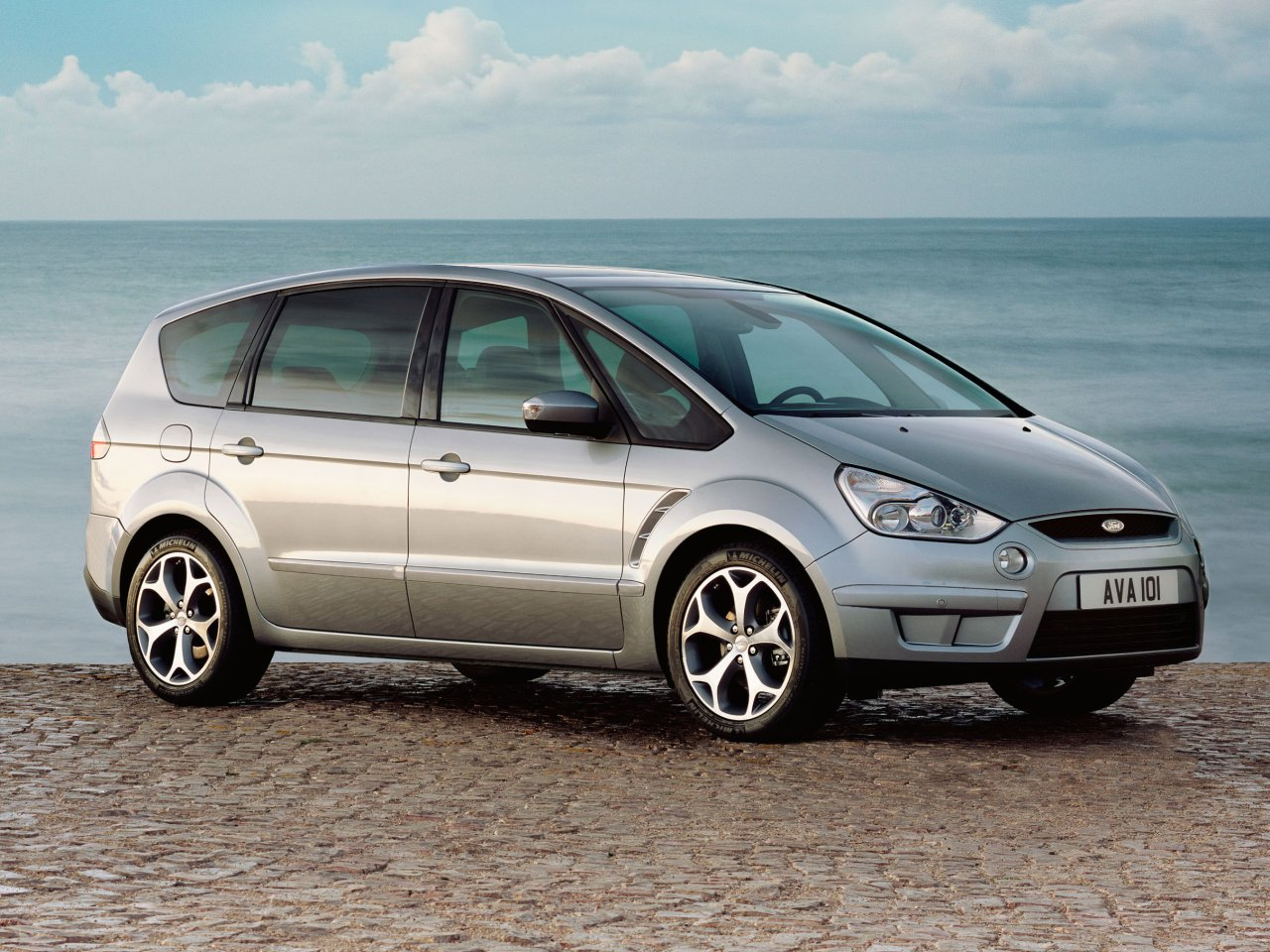 Ford max photo - 1