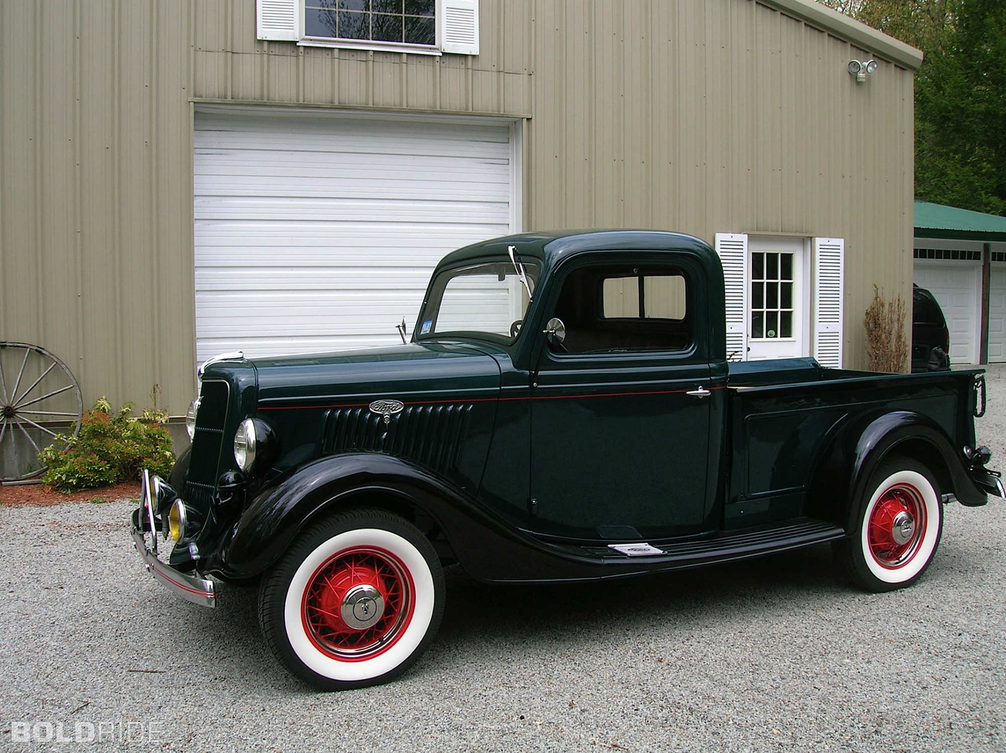 Ford pickup photo - 2
