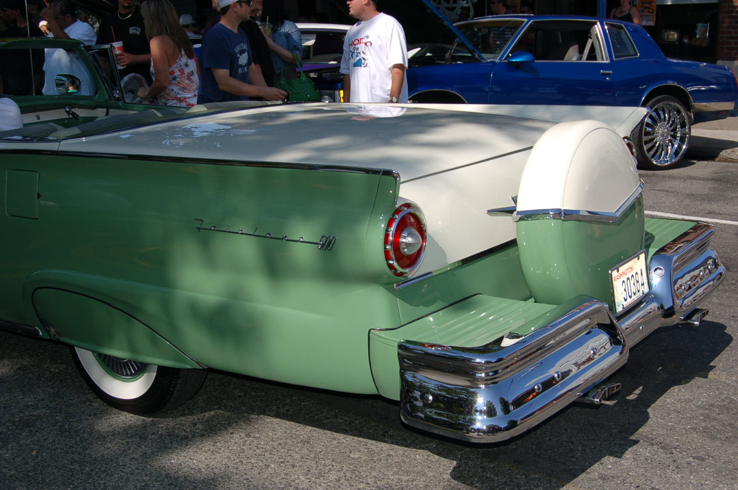 Ford retractable photo - 2