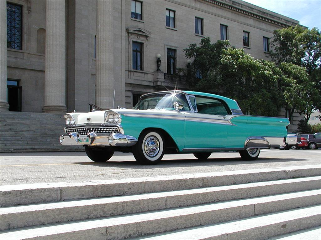 Ford skyliner photo - 2