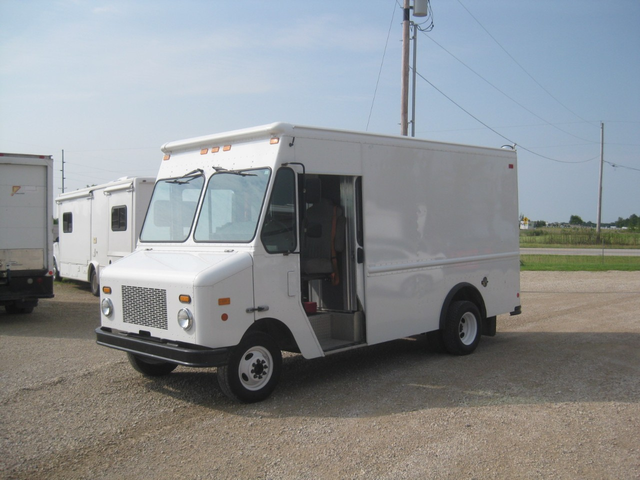 Ford stepvan photo - 3