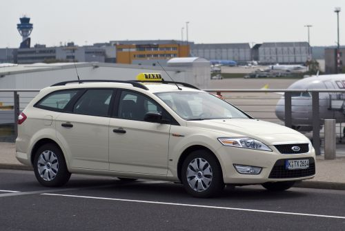 Ford taxi photo - 3