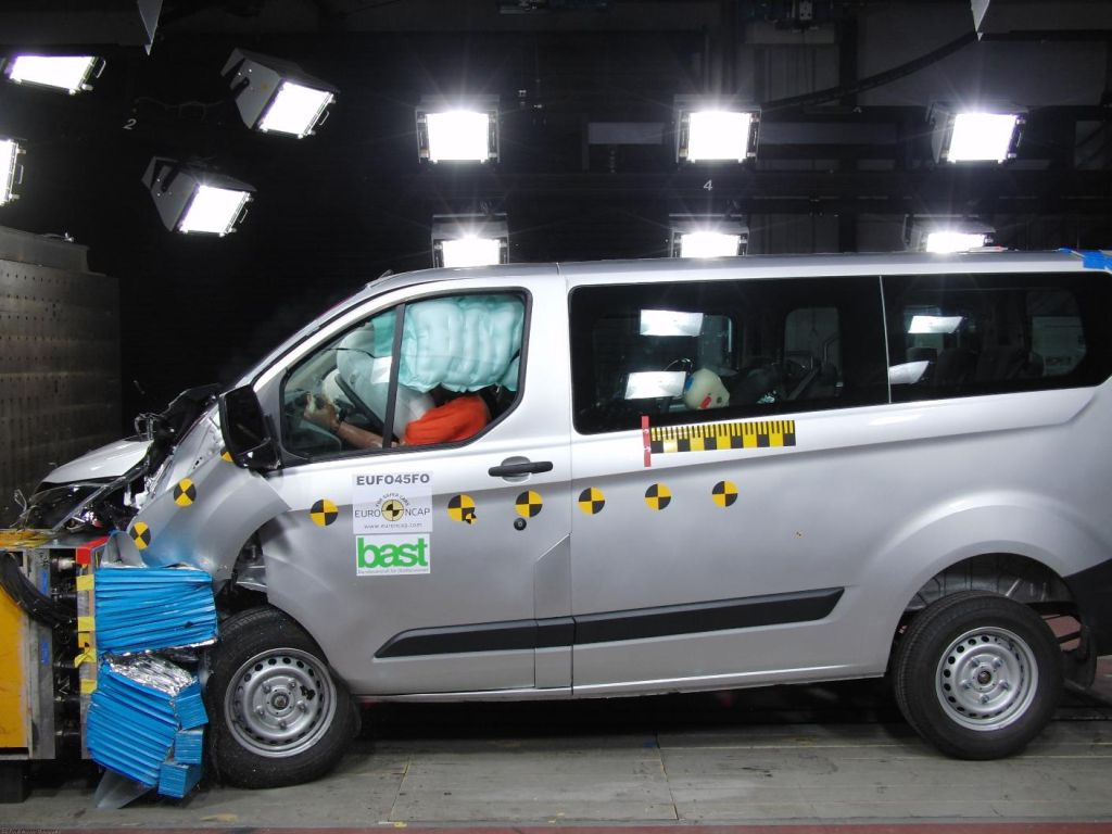 Ford tourneo photo - 2