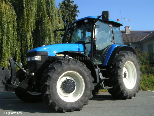 Ford tractor photo - 3