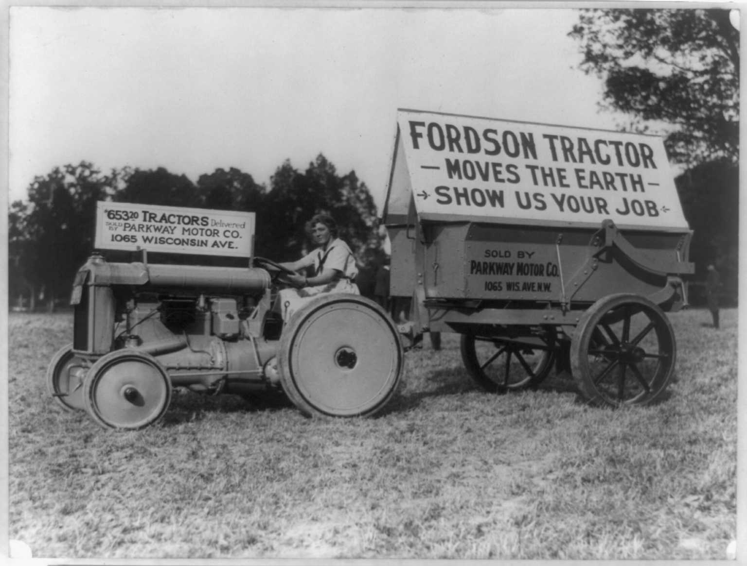Fordson tractor photo - 1