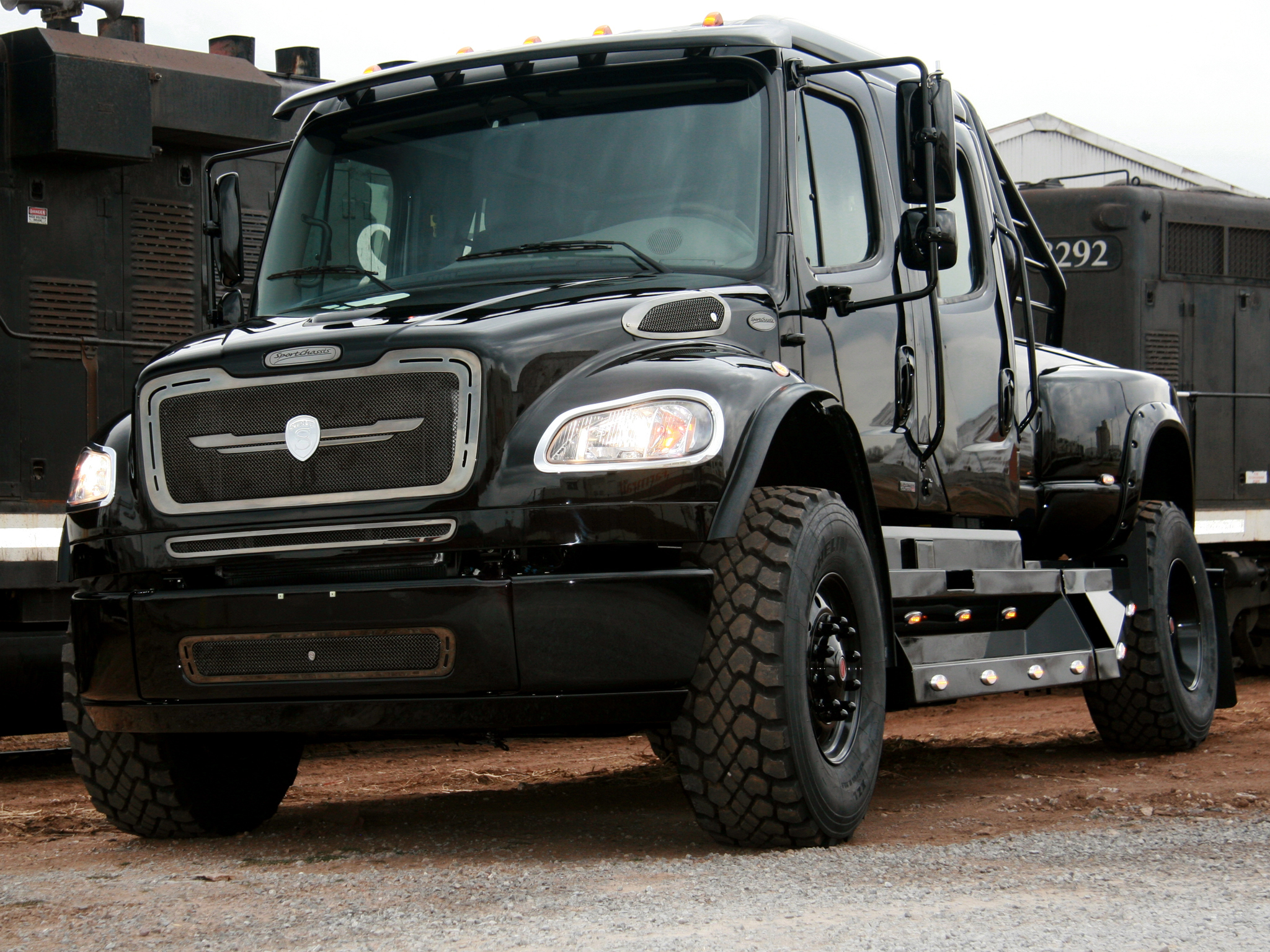 Freightliner business photo - 3