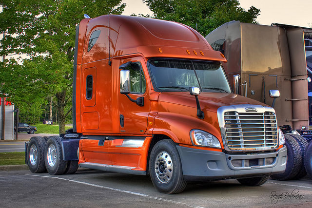 Freightliner cascadia photo - 3