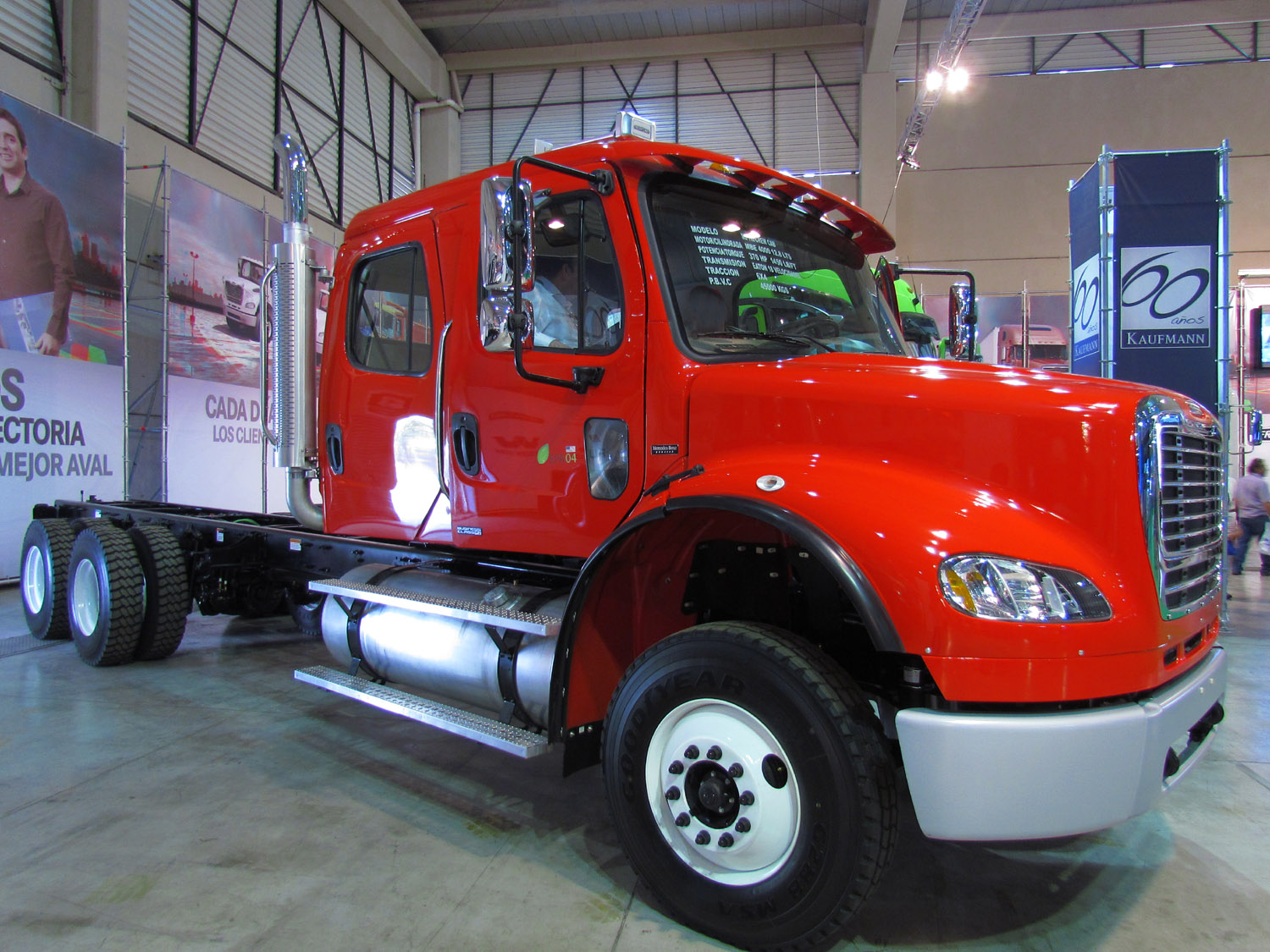 Freightliner cl photo - 2