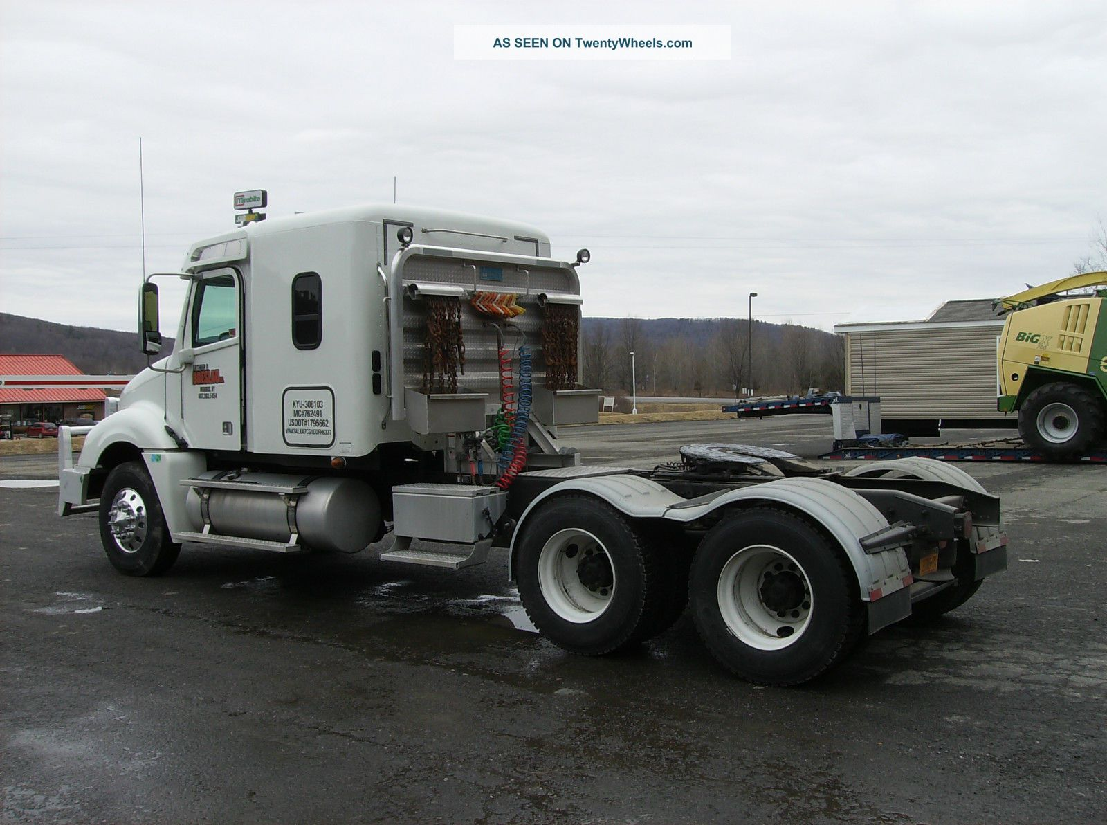 Freightliner cl photo - 3