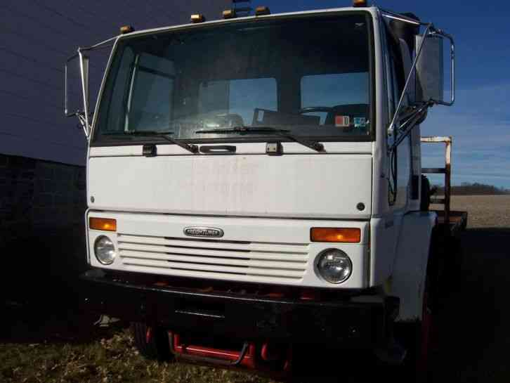 Freightliner cl photo - 4