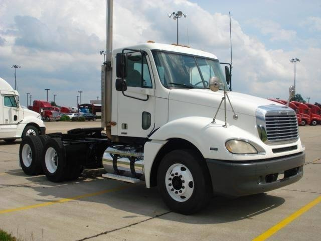 Freightliner columbia photo - 2