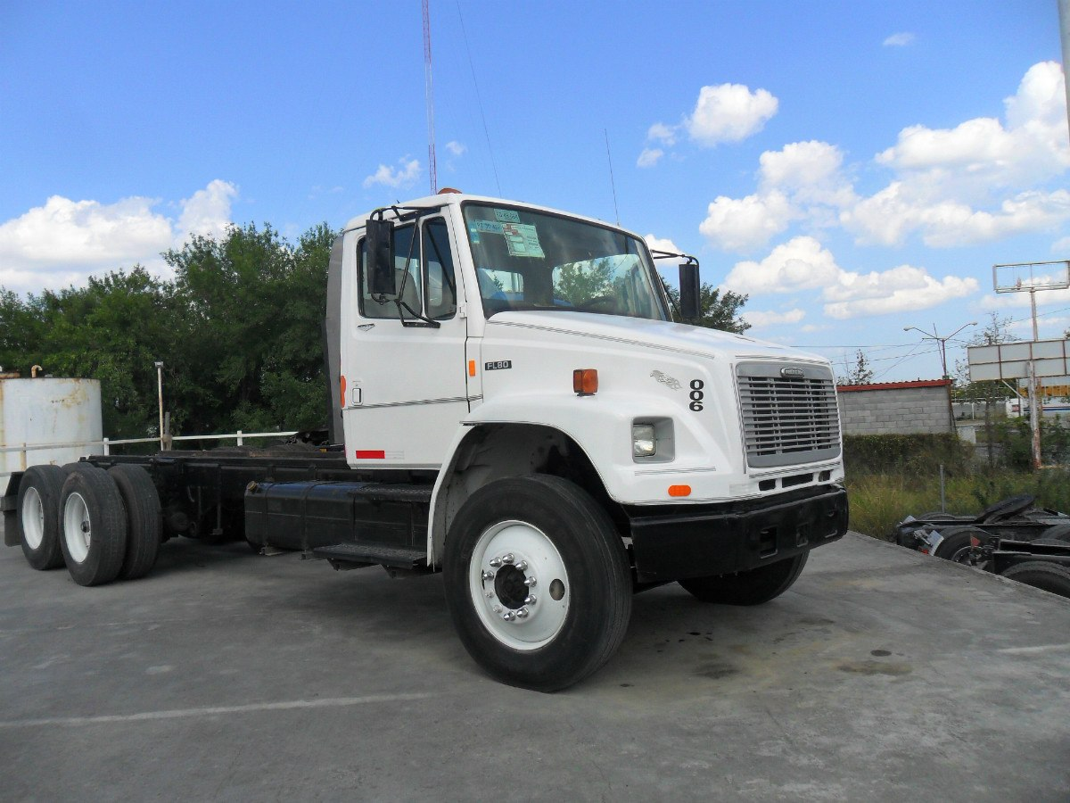 Freightliner fl photo - 1