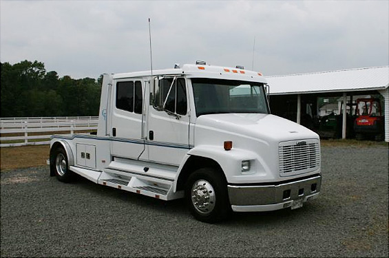 Freightliner fl60 photo - 3