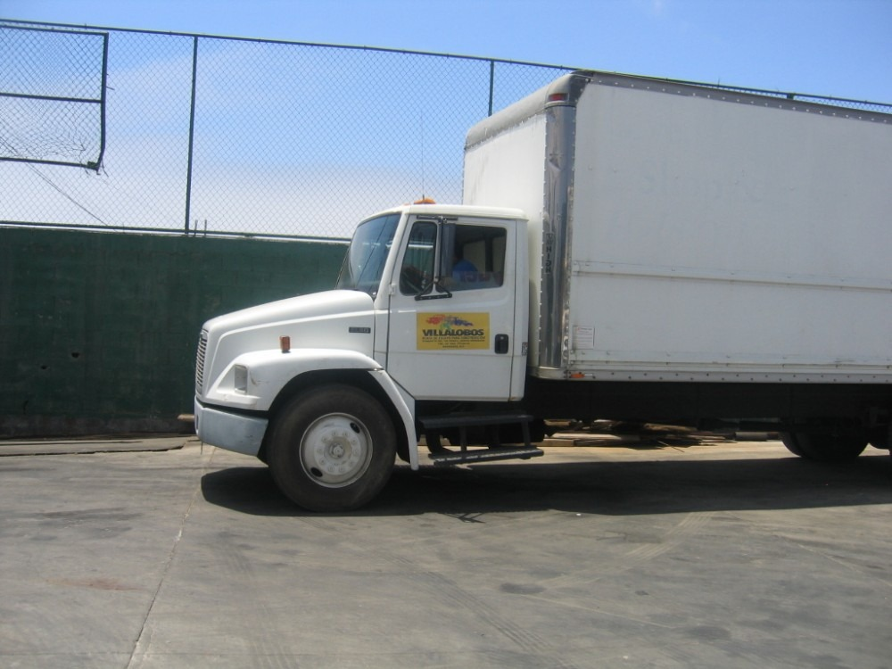 Freightliner fl60 photo - 4