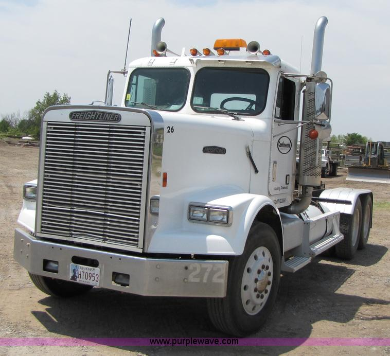 Freightliner flc photo - 3