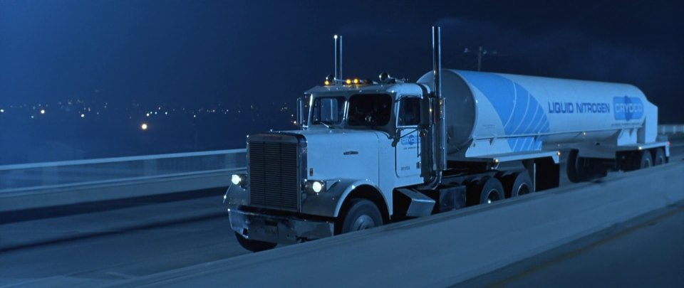 Freightliner flc120 photo - 1