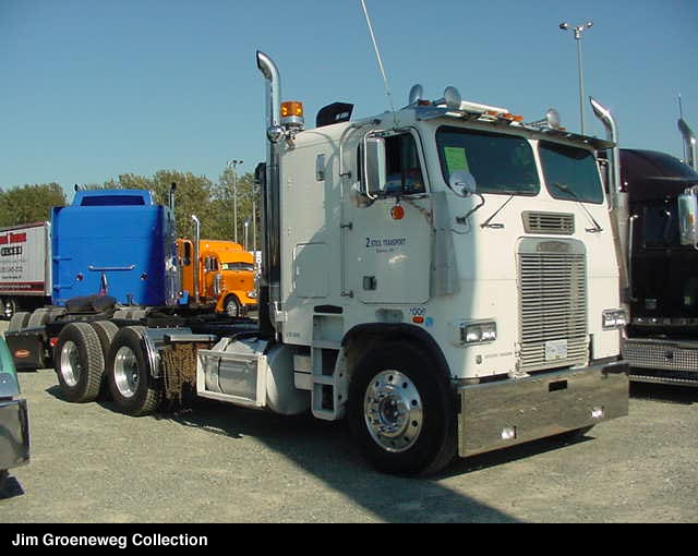 Freightliner flt photo - 2