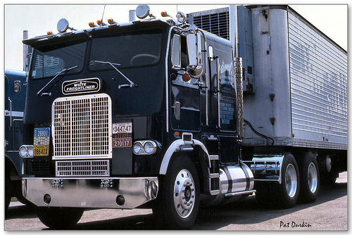 Freightliner flt photo - 4