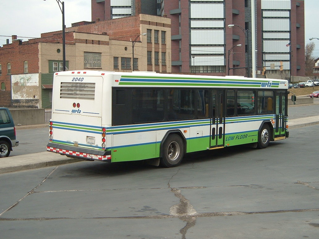 Gillig bus photo - 1