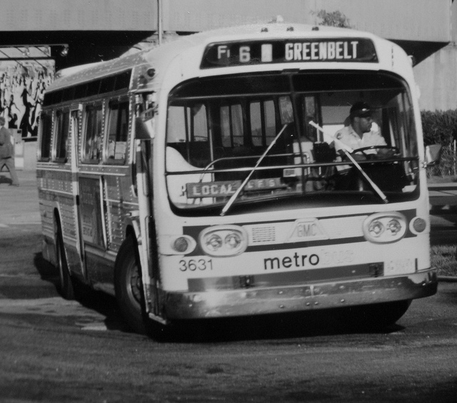 Gmc bus photo - 1