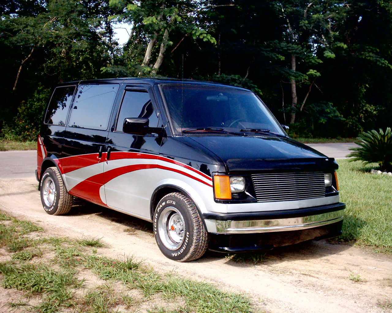 Gmc safari photo - 1