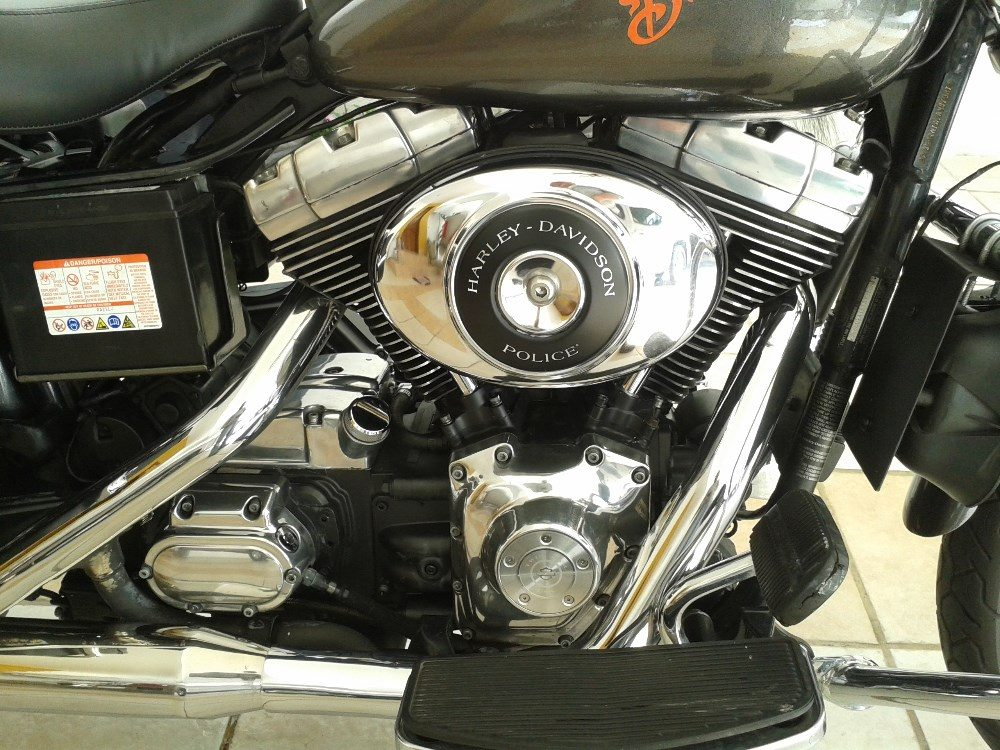 Harley-davidson dyna-defender photo - 4
