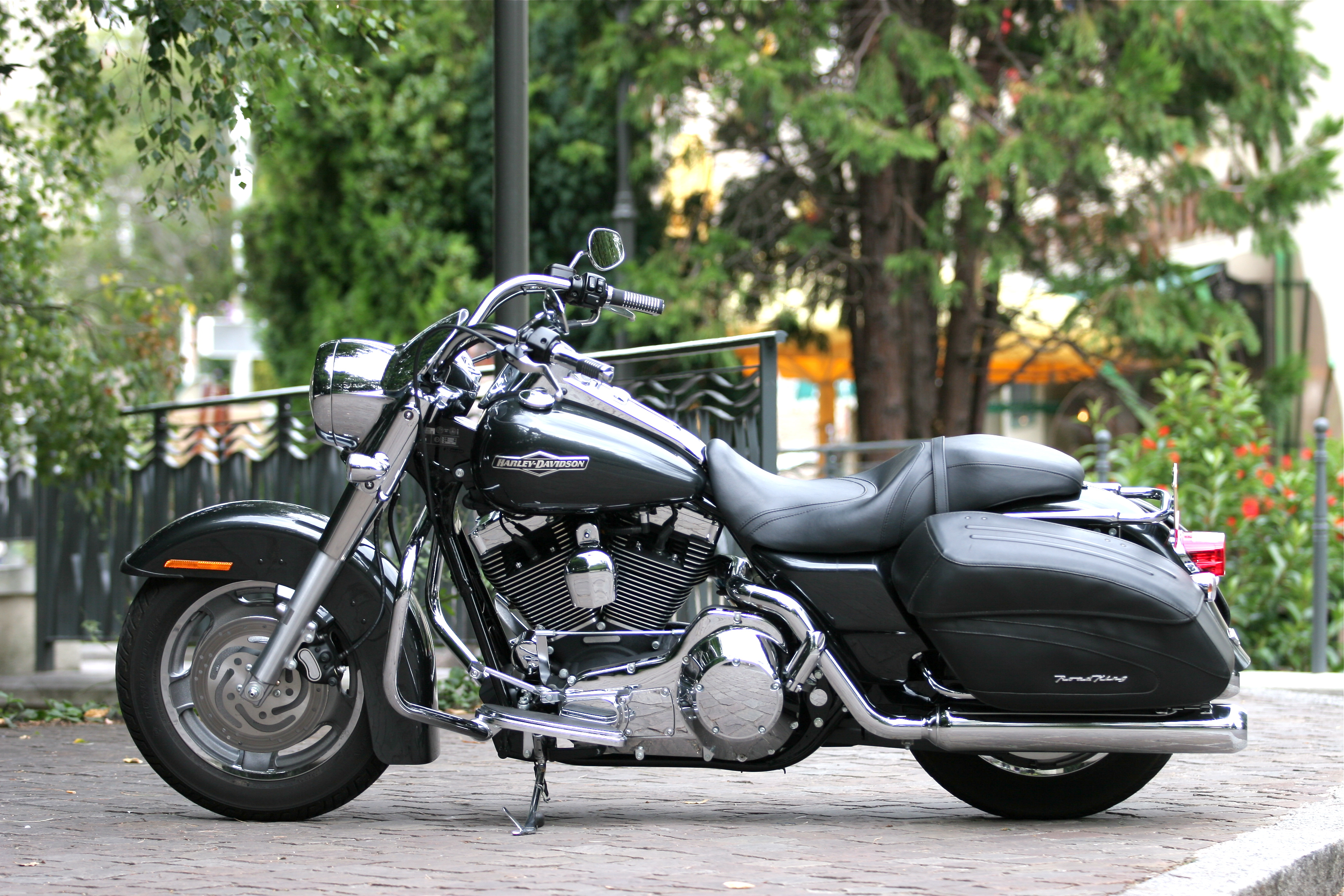 Harley-davidson road photo - 1
