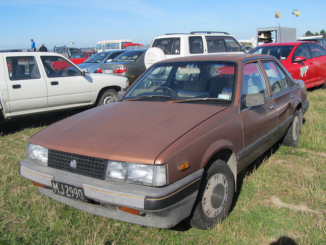 Holden camira photo - 1