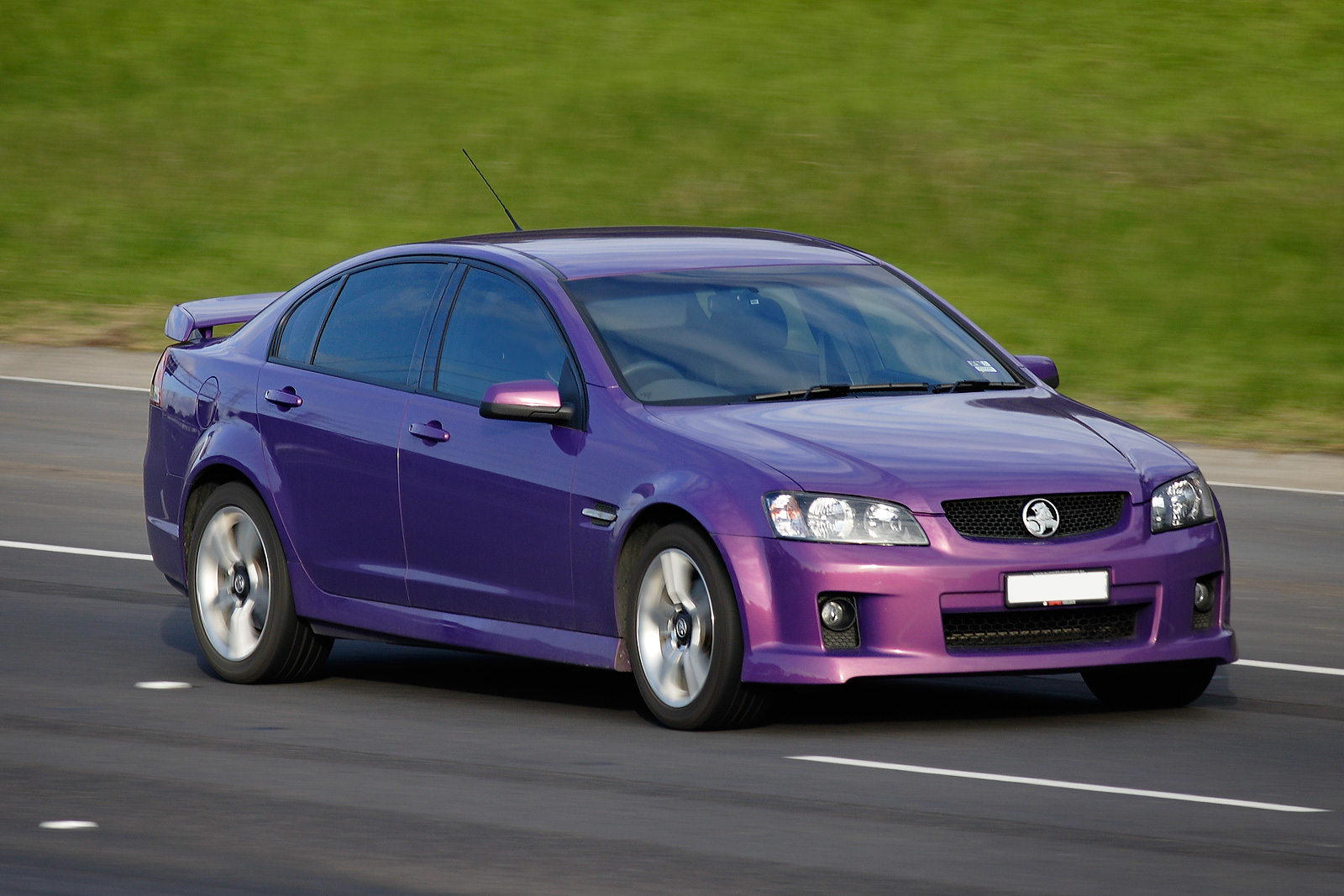 Holden commodore photo - 3