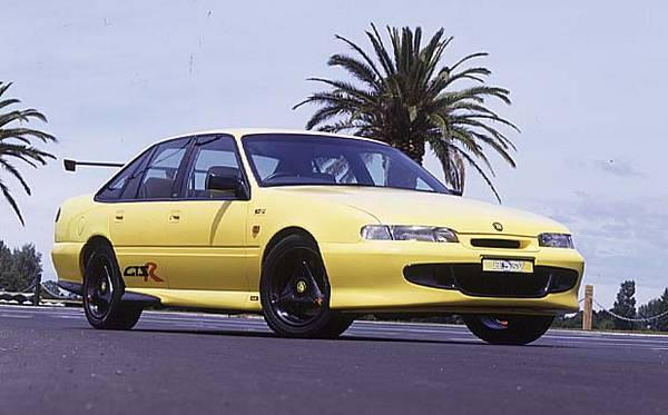 Holden gtsr photo - 1