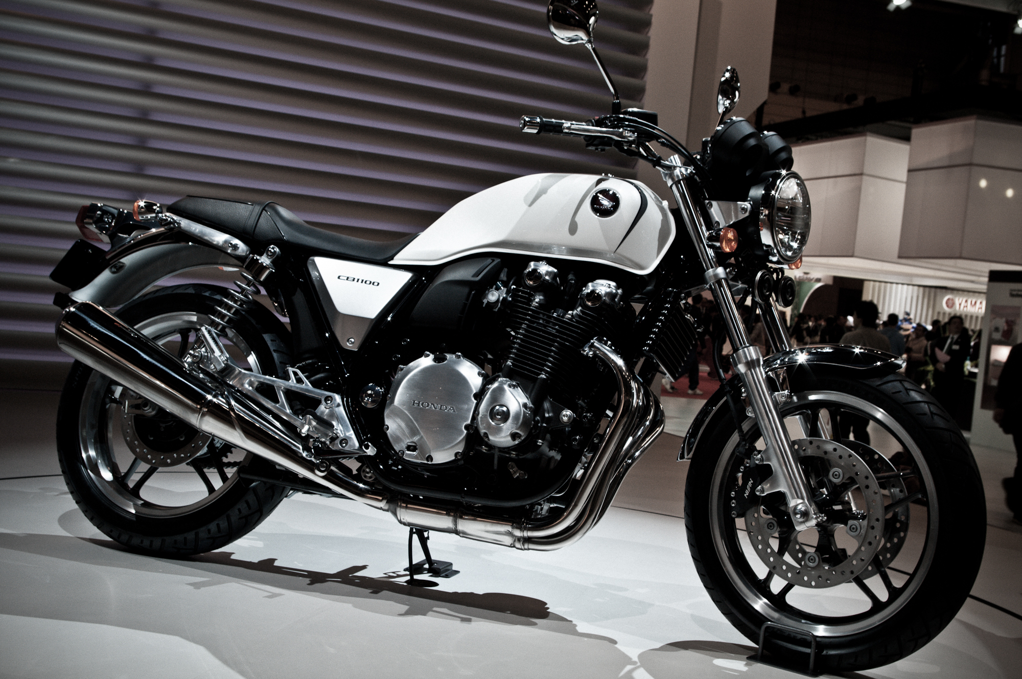 Honda cb1100 photo - 3