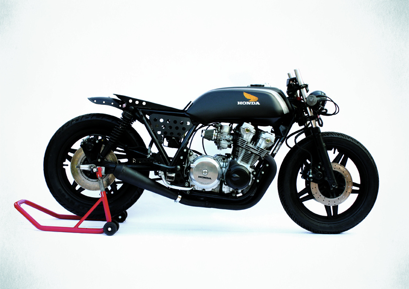 Honda cb750f photo - 4